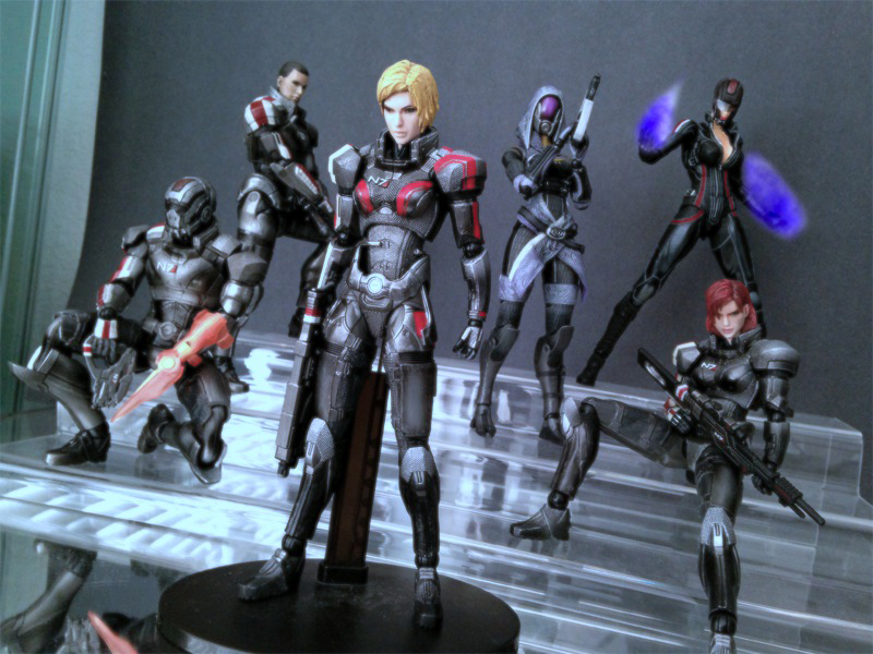 Play Arts Mass Effect
